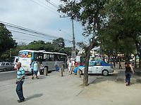 Rio de Janeiro (RJ) 10.09.2012. Movimenta&ccedil;&atilde;o / Pra&ccedil;a Seca.<br />- Movimenta&ccedil;&atilde;o hoj&eacute; segunda-feira dia (10), de pessoas na Pra&ccedil;a Seca, Zona Norte da Cidade do Rio de Janeiro. Foto: Arion Marinho / Brazil Photo Press.