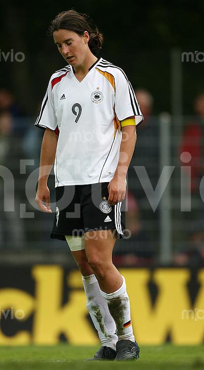 Fussball Frauen WM Qualifikation Deutschland - Schweiz   Birgit PRINZ (GER) enttaeuscht nach einer vergebenen Torchance.