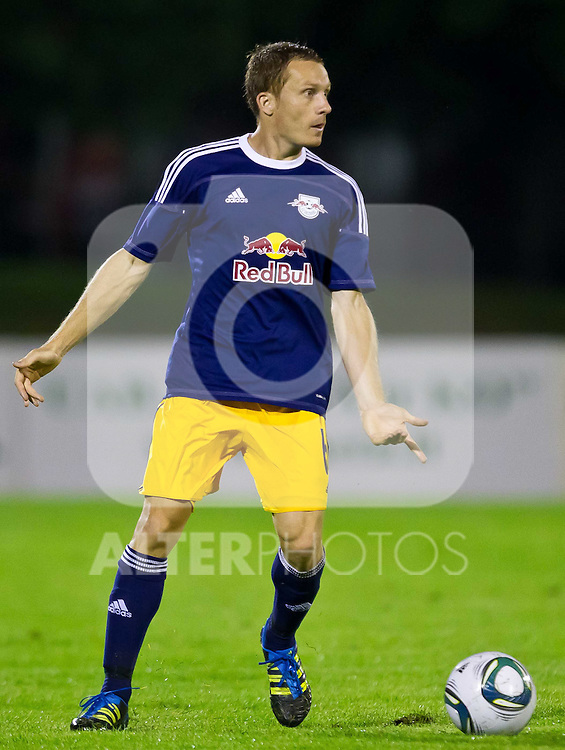 14.07.2011, Daugava Stadion, Liepaja, LAT, UEFA EUROPALEAGUE, Qualifikation, Liepajas Metalurgs vs FC Red Bull Salzburg, im Bild Christian Schwegler (Red Bull Salzburg, #6) // during the UEFA EUROPALEAGUE, 2nd Round Qualification Game, Liepajas Metalurgs vs FC Red Bull Salzburg, at the Daugava Stadion, Liepaja, Latvia, 2011-07-14, EXPA Pictures © 2011, PhotoCredit: EXPA/ J. Feichter