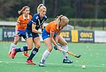 BLOEMENDAAL  - Laurien Boot (Bldaal) tijdens de hoofdklasse competitiewedstrijd vrouwen , Bloemendaal-Pinoke (1-2) . COPYRIGHT KOEN SUYK
