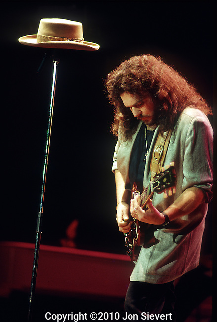 Gary Rossington, Oct. 1987, Nashville Starlight Ampitheater, with Ronnie Van Zant's hat during the playing of &quot;Freebird&quot; finale on first Skynyrd revival tour.<br /> <br /> He is a founding member of Southern rock band Lynyrd Skynyrd and plays lead and rhythm guitar. He is also a founding member of The Rossington-Collins Band along with former Lynyrd Skynyrd bandmate Allen Collins.