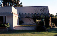 F.L. Wright: Barnsdale House, N.W. Terrace.