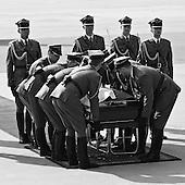 Warsaw 11 April 2010 Poland.<br /> The arrival of the President Lech Kaczynski's body at Warsaw airport, a day after the crash of the plane TU - 154 in Smolensk /Russia /.<br /> (Photo by Filip Cwik / Newsweek Poland / Napo Images)<br /> <br /> Warszawa 11 kwiecien  2010 Polska.<br /> Przylot samolotu z cialem Prezydenta RP Lecha Kaczynskiego po katastrofie samolotu TU - 154 w Smolensku /Federacja Rosyjska/<br /> (fot. Filip Cwik / Newsweek Polska / Napo Images)