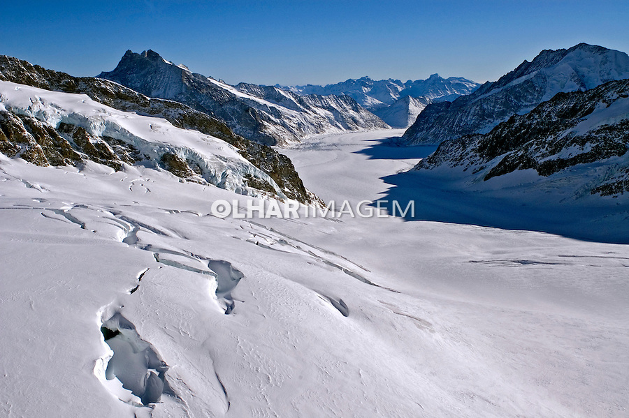 Montanhas do Glaciar Jungfrau-Aletsch. Suiça. 2008. Foto de Cris Berger.