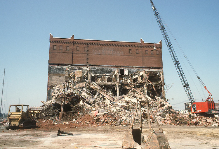 1983 April 01..Redevelopment.Downtown West (A-1-6)..BOUSH COLD STORAGE.BEFORE / DEMOLITION..NEG#.NRHA#..