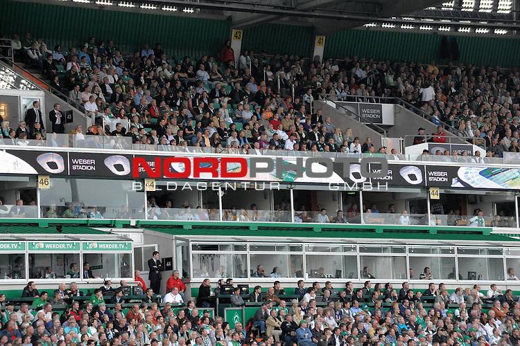 FBL 09/10  07. Spieltag Hinrunde / Weser Stadion<br /> Werder Bremen - Mainz05 3:0<br /> <br /> Feature - Anzeigenwerbung - Laufband<br /> <br /> Weserstadion<br /> <br /> Foto &copy; nph ( nordphoto )