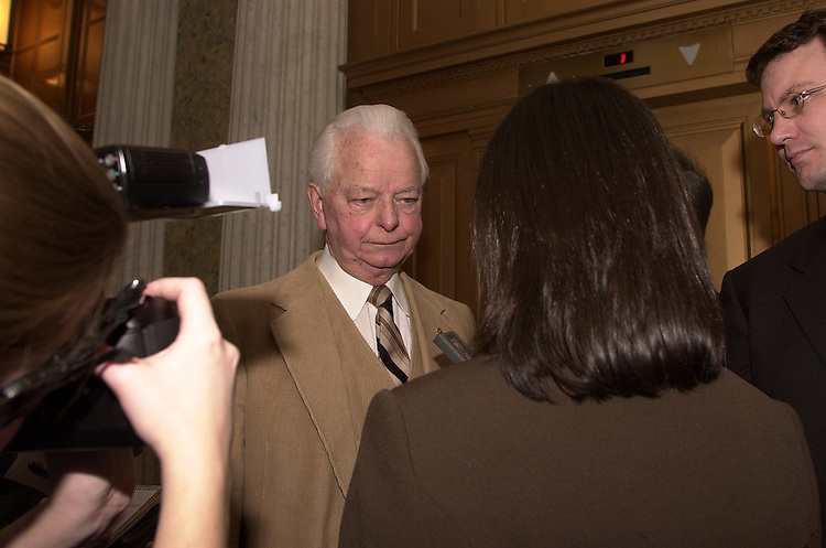 lunch3/011403 - Sen. Robert Byrd, D-WV, at the Senate luncheon.