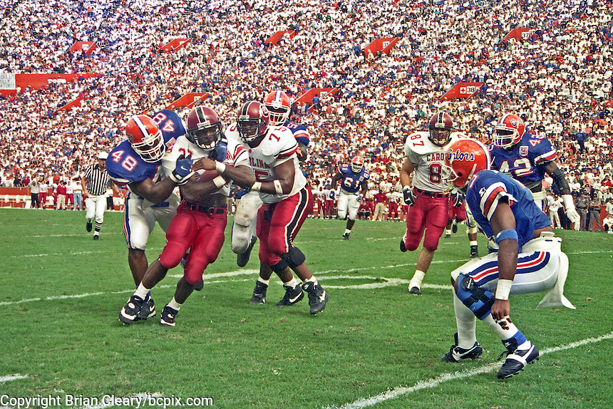 Action, University of Florida Gators defeat the University of South Carolina Gamecocks 48-17 at Ben Hill Griffin Stadium, Florida Field, Gainseville, Florida, November 12, 1994 . (Photo by Brian Cleary/www.bcpix.com)