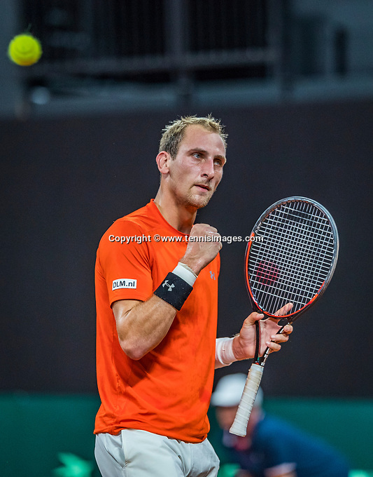 The Hague, The Netherlands, September 15, 2017,  Sportcampus , Davis Cup Netherlands - Chech Republic, First rubber: Thiemo de Bakker (NED) makes a fist<br /> Photo: Tennisimages/Henk Koster