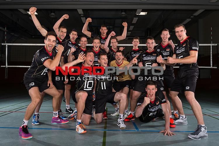 24.05.2015, Sportzentrum Westenfeld, Bochum<br /> Volleyball, Fotoshooting Nationalmannschaft Maenner<br /> <br /> Team Deutschland / Feature Jubel<br /> <br />   Foto &copy; nordphoto / Kurth