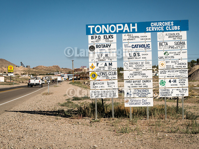 Sign at the north entrance to Tonopah, Nev.