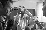 Casamento de Ana Luiza, apanhadora de flores da comunidade de Macacos com Pedro Henrrique de Curimata&iacute; no sert&atilde;o mineiro , casamento entre filhos de popula&ccedil;&atilde;oes distintas Serra e Sert&atilde;o .<br /> Popula&ccedil;&otilde;es Tradicionais de apanhadores de flores Sempre Vivas situadas na Serra do Espinha&ccedil;o em Diamantina, Minas Gerais.<br /> Popula&ccedil;&otilde;es atingidas pela implanta&ccedil;&atilde;o do Parque Nacional das Sempre Vivas, Parques Estaduais e Unidades de Conserva&ccedil;&atilde;o.<br /> Comunidade de apanhadores de flores Macacos. Comunidade impactada pelo Parque Nacional das Sempre Vivas, cuja implanta&ccedil;&atilde;o levou &agrave; proibi&ccedil;&atilde;o da coleta de flores, fonte de renda e importante aspecto cultural e social da comunidade.