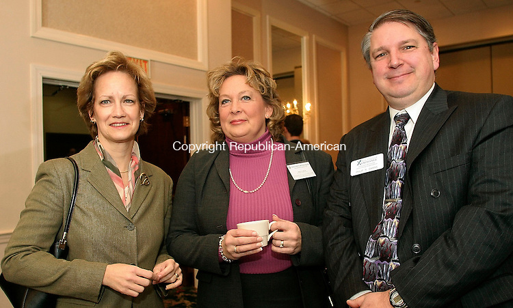 WATERBURY, CT-01 February 2005-020105TK05 (left to right:) Attending the monthly meeting of the Connecticut Corridor Exchange was Suzanne Broderick of People's Bank of Waterbury, Margot Melaas of Newtown Savings Bank in Southbury and  Philip Owens of Hourglass Mortgage in Washington Depot, Connecticut. Tom Kabelka staff photo (Connecticut Corridor Exchange, Suzanne Broderick, Margot Melaas, Philip Owens)CQ