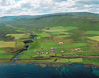 Skáholtsvík, Bæjarhreppur. / Farm Skalholtsvik in Baejarhreppur.