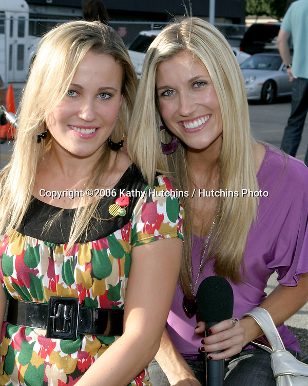 Lindsay & Hayley Clubine.Bogart Backstage Benefit.Palladium.Los Angeles, CA.November 5, 2006.©2006 Kathy Hutchins / Hutchins Photo....                 .
