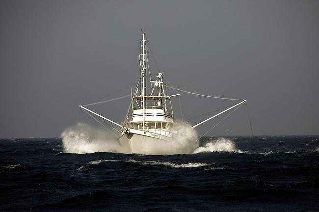 Nordhavn 46 in storm
