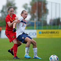 20191101 - Tubize: Belgian Estee Cattoor (L) and Norwegian Ina Andresen (R) pictured during the international friendly match between Red Flames U16 (Belgium) and Norway U16 on 1 November 2019 at Belgian Football Centre, Tubize. PHOTO:  SPORTPIX.BE | SEVIL OKTEM
