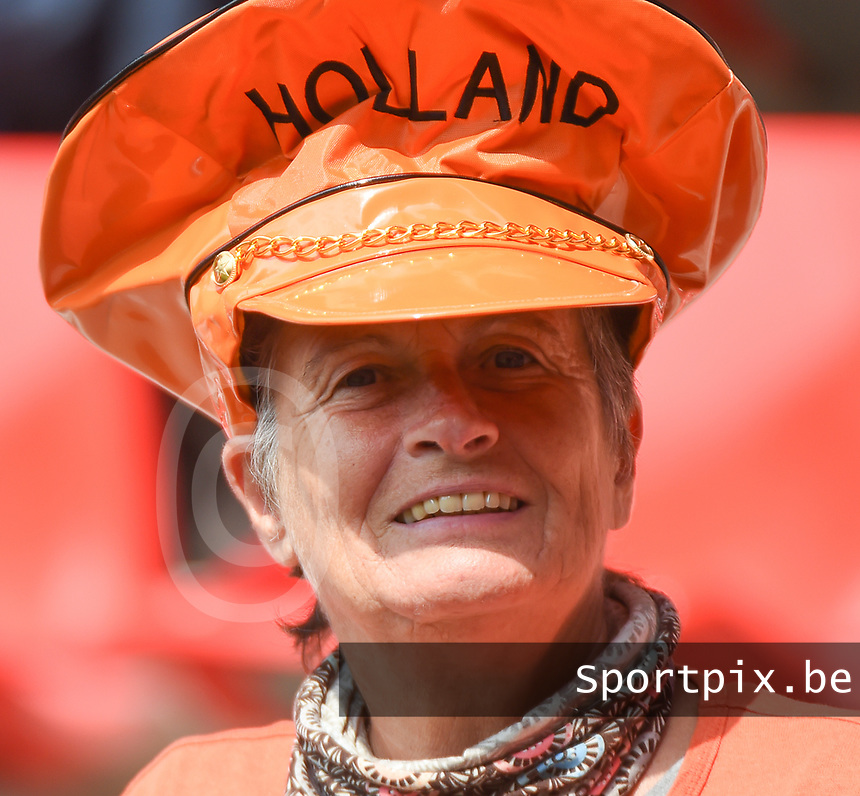 20170806 - ENSCHEDE , NETHERLANDS : Illustration shows the fans  pictured before the female soccer game between The Netherlands and Denmark  , the final at the Women's Euro 2017 , European Championship in The Netherlands 2017 , Sunday 6th of August 2017 at Grolsch Veste Stadion FC Twente in Enschede , The Netherlands PHOTO SPORTPIX.BE   DIRK VUYLSTEKE