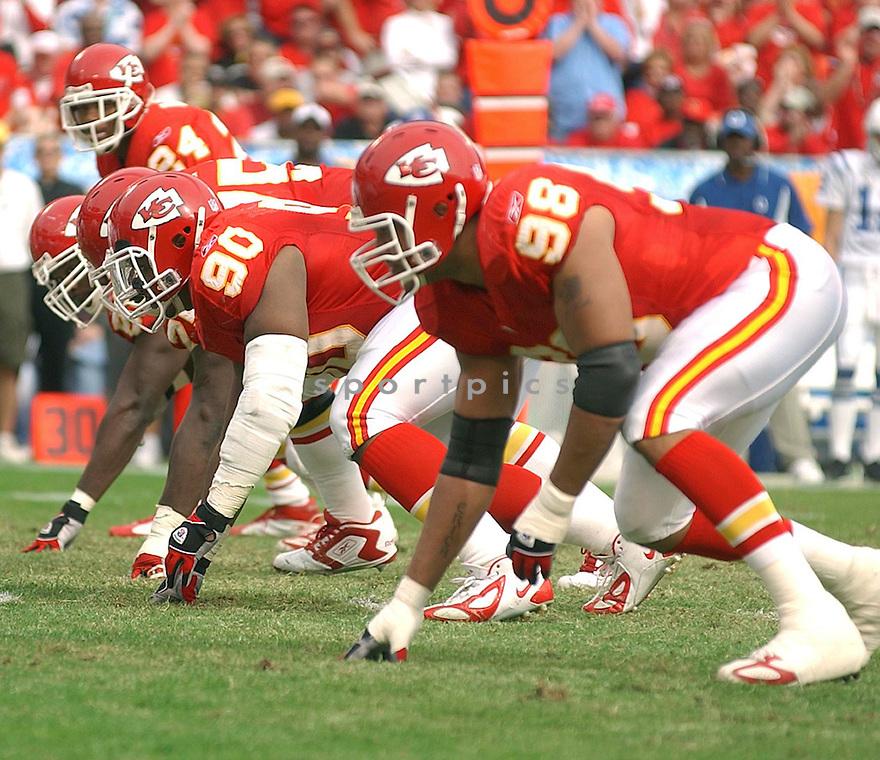 Kansas City Chiefs v. Colts game on October 31, 2004...Chiefs win 45-35..David Durochik / SportPics