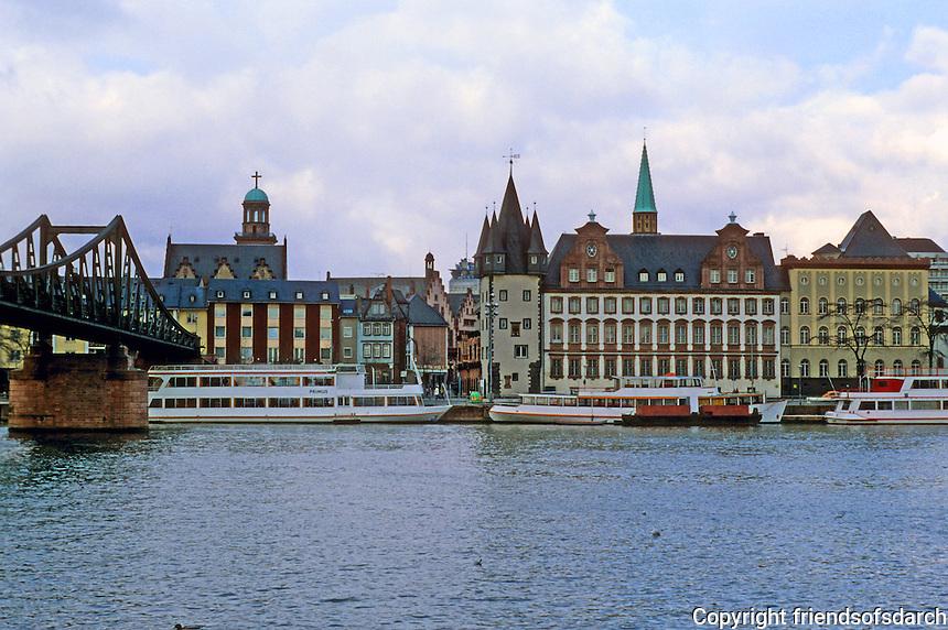 Frankfurt: Skyline from River, Romer Quarter. Photo '87.