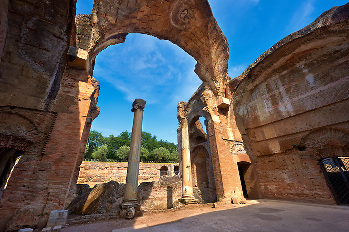 Thermal Grand Baths at Hadrian's Villa ( Villa Adriana ) built during the second and third decades of the 2nd century AD, Tivoli, Italy. A UNESCO World Heritage Site.