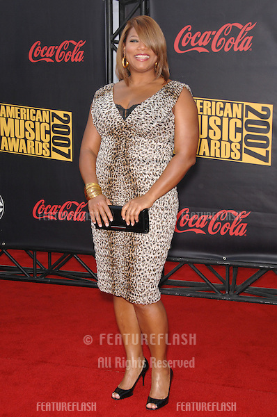Queen Latifah at the 2007 American Music Awards at the Nokia Theatre, Los Angeles..November 19, 2007  Los Angeles, CA.Picture: Paul Smith / Featureflash