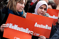 Cartelli 'no muslim ban' banners<br /> Roma 02-02-2017. Ambasciata Americana. Manifestazione per protestare contro il 'muslim ban' attuato dal neo Presidente americano.<br /> Rome February 2nd 2017. American Embassy. Demonstration against 'muslim ban' of the newly elected American President.<br /> Foto Samantha Zucchi Insidefoto