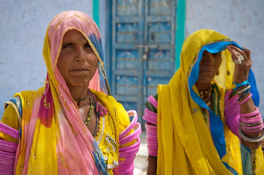 Traditional Women from the Thar Desert, On the road to Jaiselmer from Pushkar Rajasthan