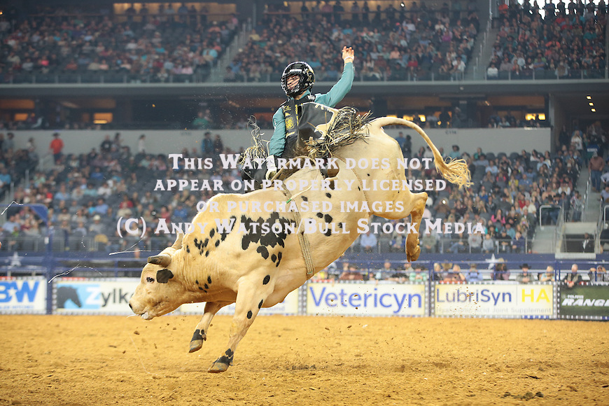Sage Kimzey, Deep Water, during the RFDTV's The American. Photo by Andy Watson