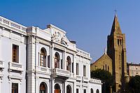 Chambre dde Commerce et Industrie (CCI) und Kirche Notre Dame de Loourde in Bastia, Korsika, Frankreich