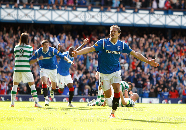 Nikica Jelavic celebrates his goal for Rangers