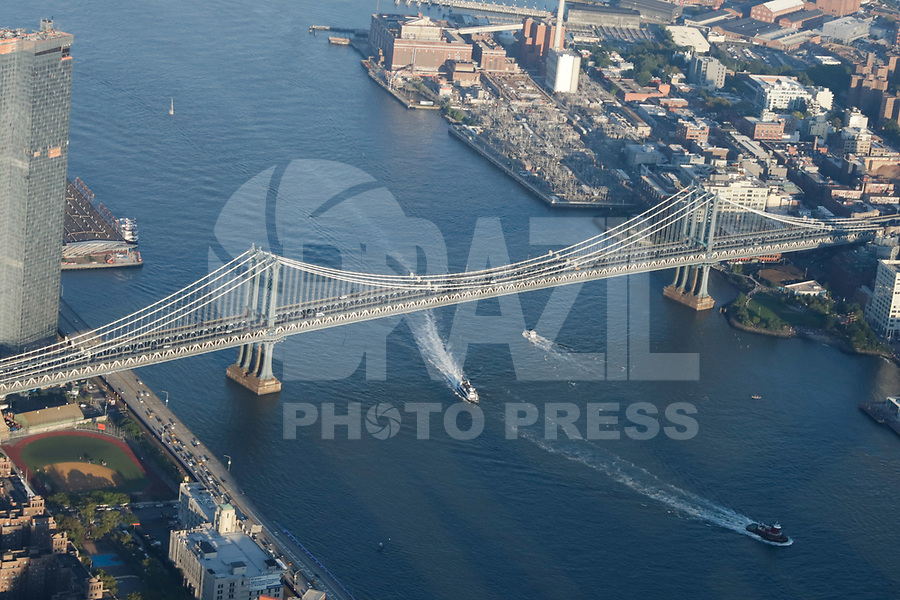 NOVA YORK, EUA, 17.09.2018 - CIDADE-NOVA YORK - Vista aerea Manhattan Bridge e Brooklyn Bridge na cidade de Nova York nos Estados Unidos(Foto: Vanessa Carvalho/Brazil Photo Press)