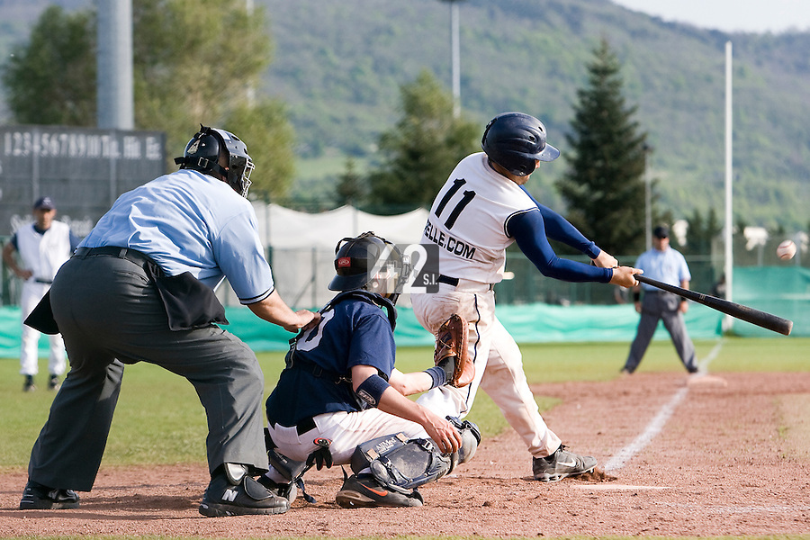 BASEBALL - ELITE - CLERMONT-FERRAND (FRANCE) - STADE DES CEZEAUX - 03/05/2008 - UNIDENTIFIED PLAYER AT BAT (MONTPELLIER BARRACUDAS)