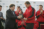 Tanasiste Brian Cowan presents the trophy to winning captain Nick Faldo after the final round singles of the Seve Trophy at The Heritage Golf Resort, Killenard,Co.Laois, Ireland 30th September 2007 (Photo by Eoin Clarke/GOLFFILE)