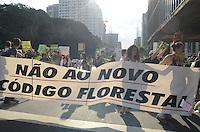 SAO PAULO, SP, 05 DE MAIO DE 2012 _Ato contra o Código Florestal, na Av Paulista em frente ao Masp(FOTO: ADRIANO LIMA - BRAZIL PHOTO PRESS)