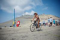 entertainment advancing the peloton<br /> <br /> Tour de France 2013<br /> stage 15: Givors to Mont Ventoux, 242,5km