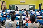 Jovens estudantes em sala de aula. Escola Estadual em Teresina. Piaui. 2015. Foto de Candido Neto.