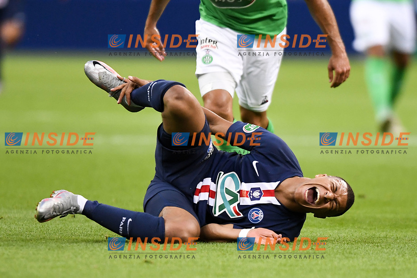 07 KYLIAN MBAPPE (PSG) infortunio <br /> Paris 24/07/2020 Stade de France <br /> Calcio Finale Coppa di Francia <br /> Paris Saint Germain vs Saint Etienne <br /> Foto Anthony Bibard/Panoramic/insidefoto <br /> ITALY ONLY