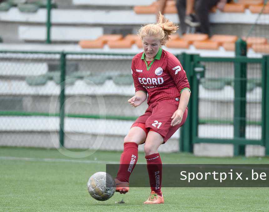 20150808 - ZULTE , BELGIUM : Zulte's Julie Devos pictured during a friendly soccer match between the women teams of Zulte-Waregem and RSC Anderlecht  , during the preparations for the 2015-2016 SUPERLEAGUE season, Saturday 8 August 2015 . PHOTO DAVID CATRY