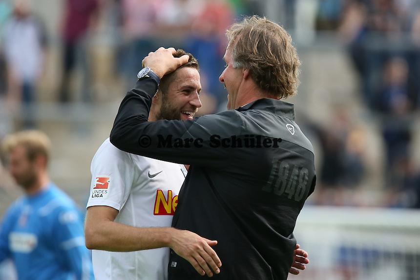 Stanislav Sestak (Bochum) mit Trainer Peter Neururer - FSV Frankfurt vs. VfL Bochum, Frankfurter Volksbank Stadion