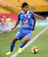 BOGOTA -COLOMBIA. 02-02-2014. Fabian Vargas de Millonarios  en accion contra  La Equidad durante el partido por la segunda fecha de La liga Postobon 1 disputado en el estadio El Campin. / Fabian Vargas of  Millonarios in actions against   La Equidad  during the match for the second date of the Postobon one league match at El Campin  Stadium Photo: VizzorImage/ Felipe Caicedo / Staff