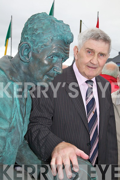 Mick O'Dwyer honored in bronze.