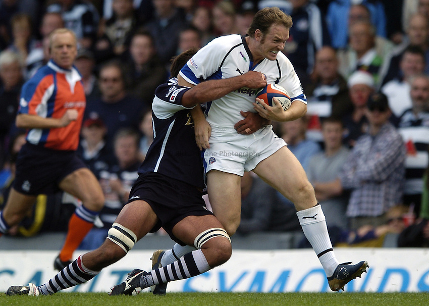 Photo: Jonathan Butler..Bristol Rugby v Bath Rugby. EDF Anglo-Welsh Cup. 01/10/2006..Matt Perry of Bath pushes forward.