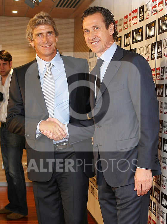 Real Madrid's new coach Manuel Pellegrini and the General Manager Jorge Valdano (r).June 2 2009. (ALTERPHOTOS/Acero).