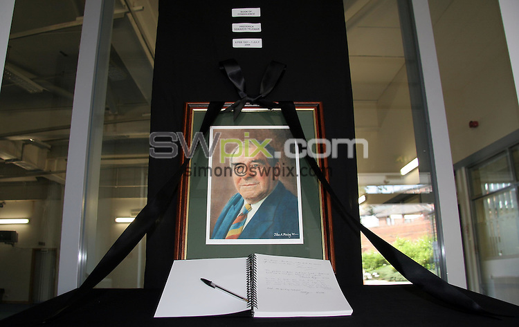 PICTURE BY VAUGHN RIDLEY/SWPIX.COM -  Cricket - Yorkshire CCC - Headingley, Leeds, England - 01/07/06...? Simon Wilkinson - 07811 267706...A book of condolence in the lobby of the Yorkshire CCC reception in memory of former Yorkshire and England fast bowler Fred Trueman, who passed away on Saturday, July 1st, 2006.