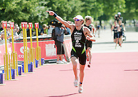 22 JUL 2007 - LONDON, UK - Tim Don wins the mens final - Corus Elite Triathlon Series. (PHOTO (C) NIGEL FARROW)