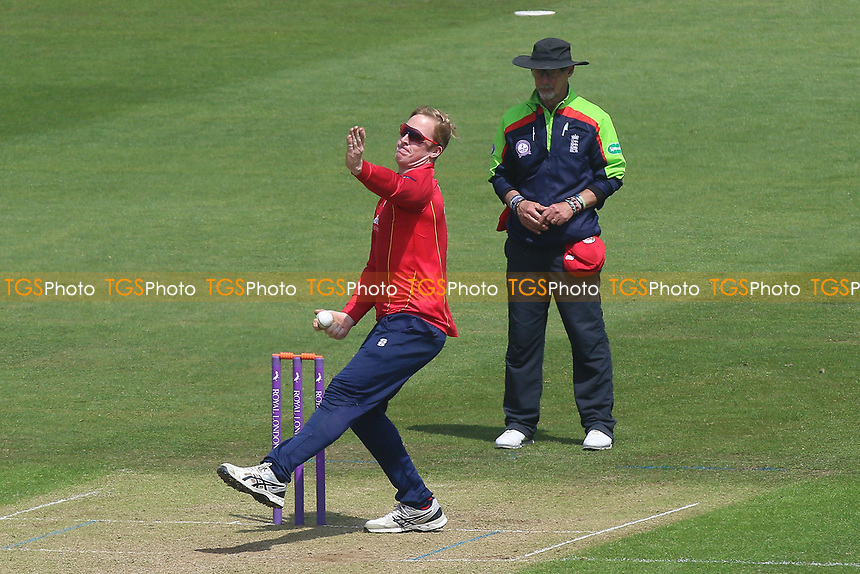 Simon Harmer in bowling action for Essex during Glamorgan vs Essex Eagles, Royal London One-Day Cup Cricket at the SSE SWALEC Stadium on 7th May 2017