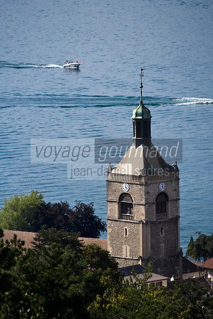 Europe/France/Rhône-Alpes/74/Haute Savoie/ Evian-les-Bains:  l' église et  le lac Léman