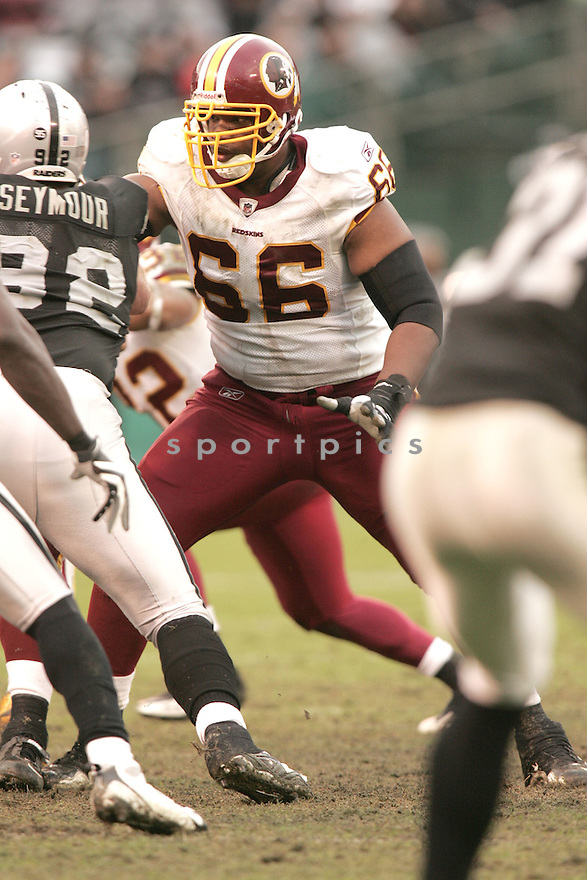 DERRICK DOCKERY, of the Washington Redskins, in action during the Redskins game against the Oakland Raiders on December 13, 2009 in Oakland, CA. Redskins won 34-13.