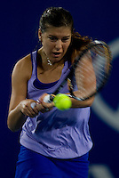 Sorana Cirstea (ROM) against Maria Jose Martinez Sanchez (ESP) in the Spain V Romania Group A match. Maria Jose Martinez Sanchez (ESP) beat Sorana Cirstea (ROM) 6-4 6-3..International Tennis - Hyundai Hopman Cup XXII - Tues 05 Jan 2010 - Burswood Dome - Perth - Australia ..© Frey, AMN Images, Level 1, Barry House, 20-22 Worple Road, London, SW19 4DH
